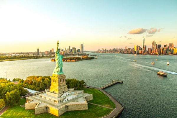 Expédition de colis à l'international vers les États-Unis avec Yellow Relay